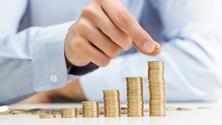 Meet friends and discuss money strategies (Online)